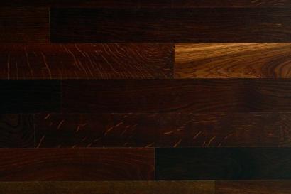 podłoga drewniana ciemna